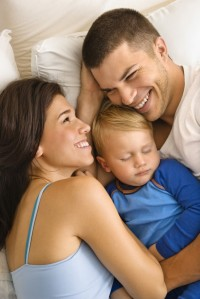 2-419_Hug_toddler_bed_mom_dad_fl_d_b_s-683x1024